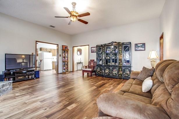 5234 Wood Creek Lane, Garland, TX - USA (photo 4)