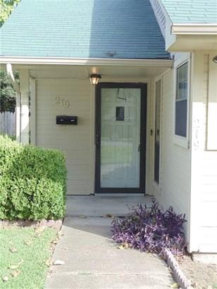 219 Oak Street, Lancaster, TX - USA (photo 2)