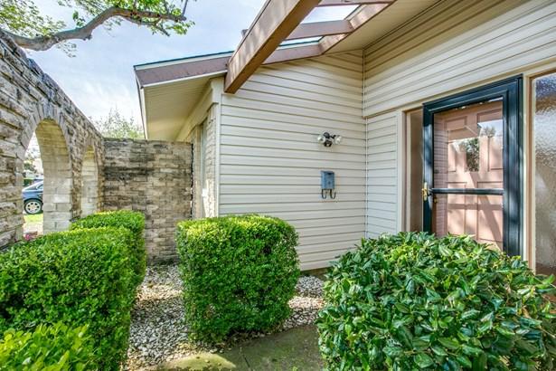 1816 Elmwood Lane, Carrollton, TX - USA (photo 3)