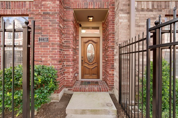 2238 Marilla Street, Dallas, TX - USA (photo 3)
