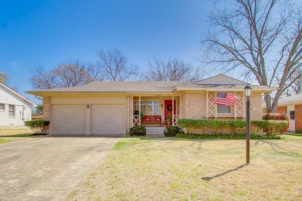 13304 Challaburton Drive, Farmers Branch, TX - USA (photo 1)