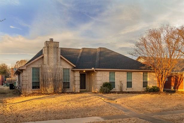 1657 Crosshaven Drive, Lewisville, TX - USA (photo 1)