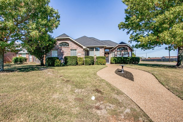 1407 Old Knoll Drive, Wylie, TX - USA (photo 3)
