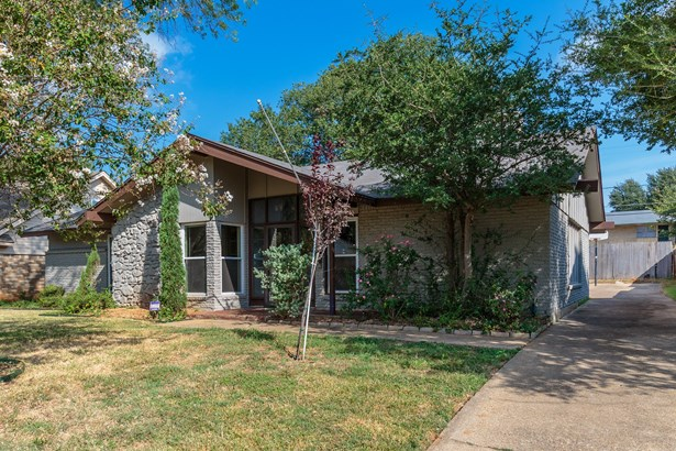 1705 Larkspur Drive, Arlington, TX - USA (photo 2)