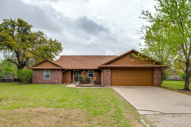 305 Johnson Lane, Krugerville, TX - USA (photo 1)