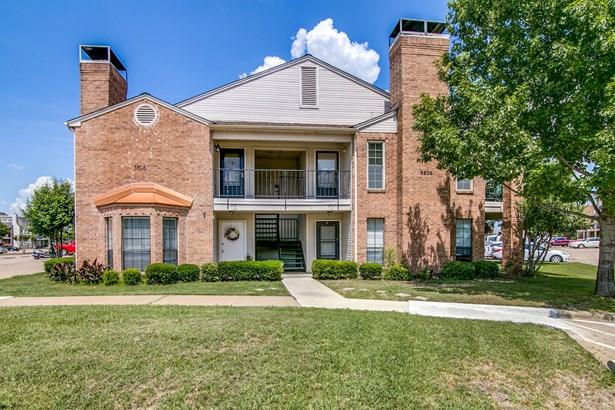 5806 Marvin Loving Drive 211, Garland, TX - USA (photo 1)
