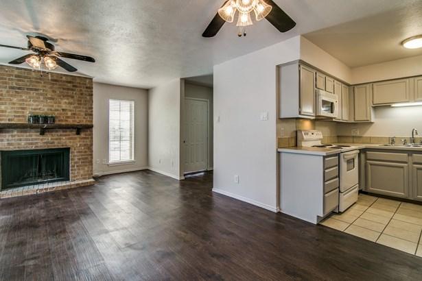 5806 Marvin Loving Drive 211, Garland, TX - USA (photo 2)