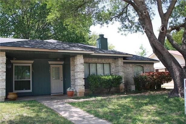 763 Little Creek Drive, Euless, TX - USA (photo 1)