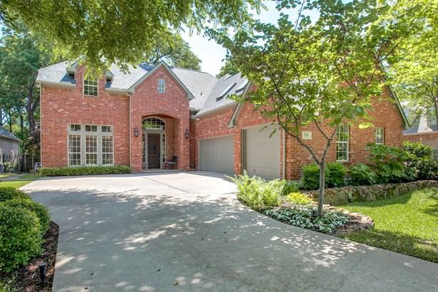 1014 Creekwood Drive, Garland, TX - USA (photo 2)