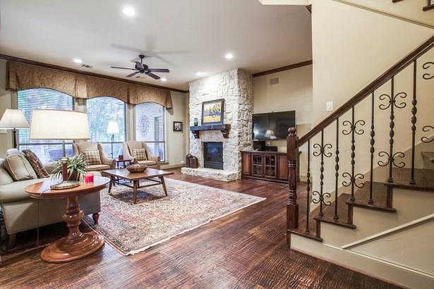 1014 Creekwood Drive, Garland, TX - USA (photo 4)