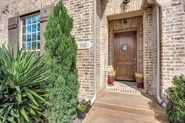 735 Brookstone Drive, Irving, TX - USA (photo 3)
