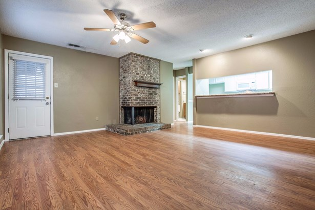 2811 Capella Circle, Garland, TX - USA (photo 5)