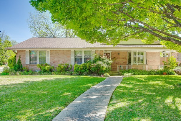9746 Chiswell Road, Dallas, TX - USA (photo 1)