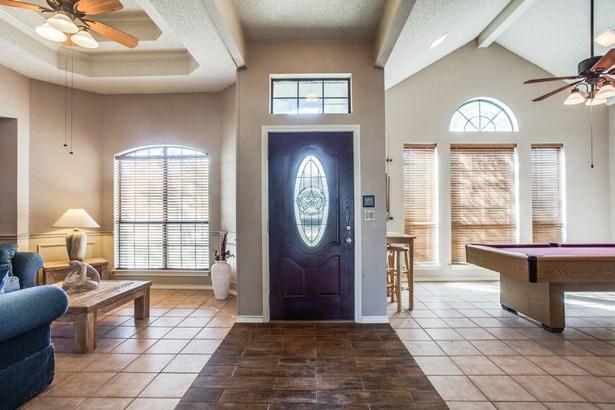 1413 Barclay Drive, Carrollton, TX - USA (photo 2)