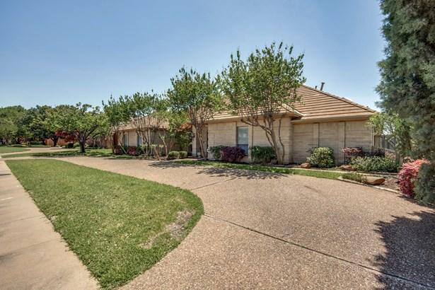 7032 Bremerton Drive, Dallas, TX - USA (photo 2)