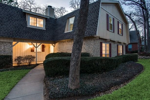 1816 Woodridge Drive, Arlington, TX - USA (photo 2)