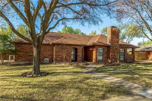 2418 Highridge Drive, Sachse, TX - USA (photo 2)