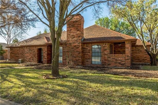 2418 Highridge Drive, Sachse, TX - USA (photo 3)