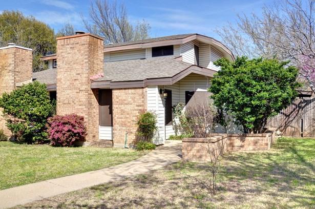 1109 Cloudcrest Court, Arlington, TX - USA (photo 1)