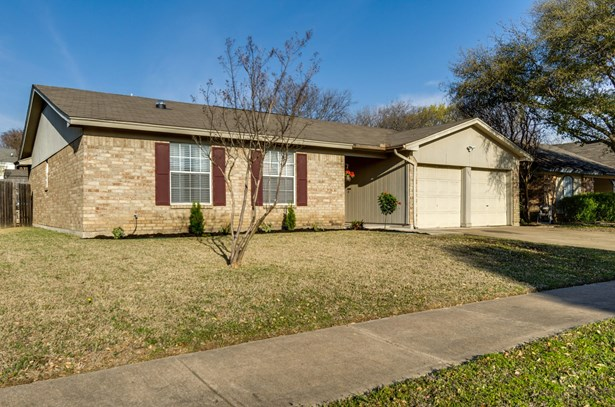 7917 Berrybrook Drive, Watauga, TX - USA (photo 3)