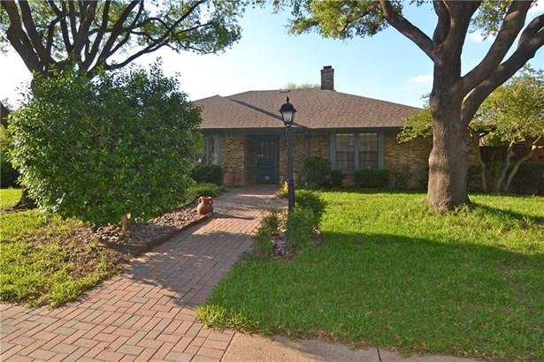 2303 Golden Willow Lane, Richardson, TX - USA (photo 1)