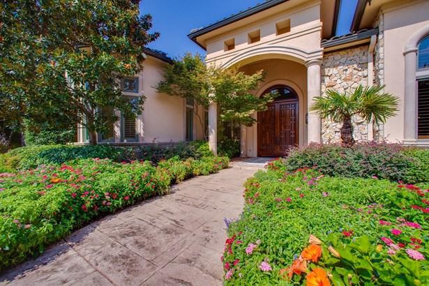 5805 Golden Leaf Court, Plano, TX - USA (photo 3)