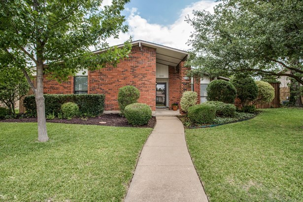 2233 E Peters Colony Road, Carrollton, TX - USA (photo 1)
