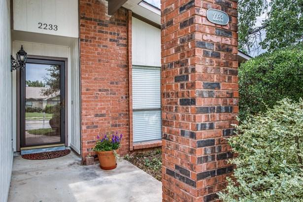 2233 E Peters Colony Road, Carrollton, TX - USA (photo 2)