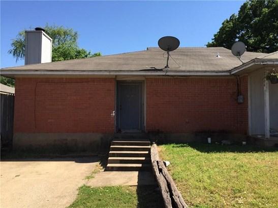 2406 Windy Pine Lane, Arlington, TX - USA (photo 1)