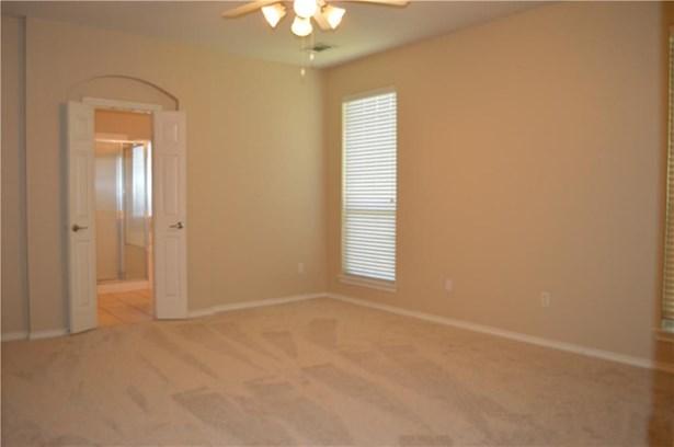 4813 Jodi Drive, Fort Worth, TX - USA (photo 5)