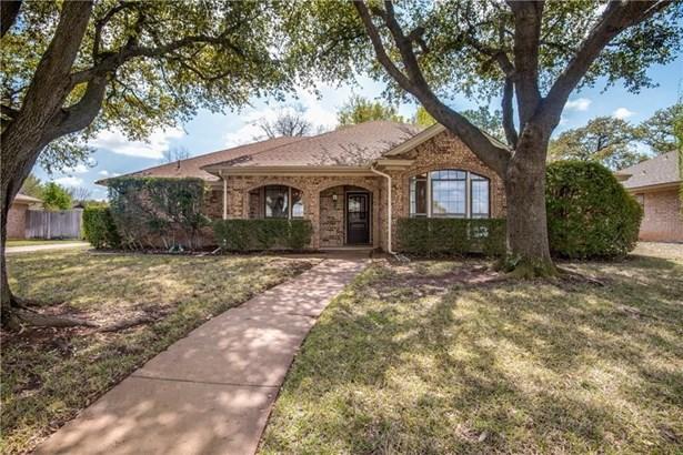 1128 Wingate Drive, Bedford, TX - USA (photo 2)
