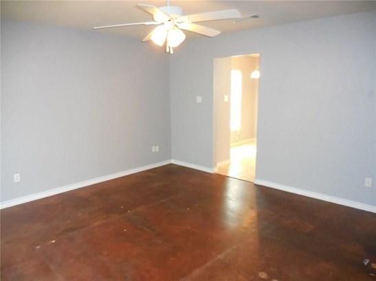 1728 Red Oak Court, Denton, TX - USA (photo 3)