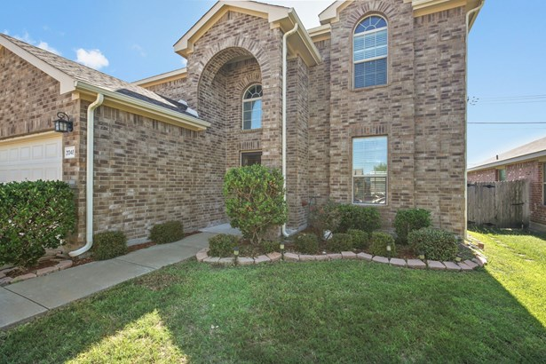 2048 Dripping Springs Drive, Forney, TX - USA (photo 2)