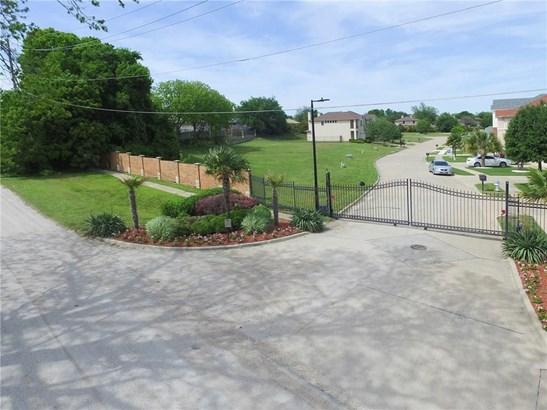 5237 Lake Terrace Court, Garland, TX - USA (photo 2)
