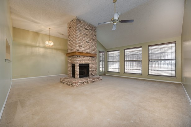 2602 Strother Drive, Garland, TX - USA (photo 5)