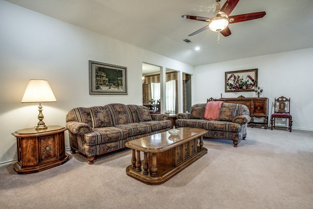 406 Woodhollow Drive, Wylie, TX - USA (photo 2)