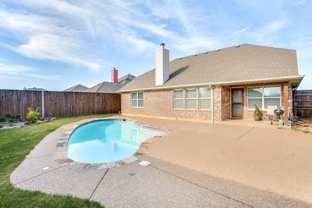 205 Holly Court, Aubrey, TX - USA (photo 3)