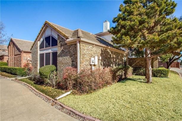 17073 Vinland Drive, Addison, TX - USA (photo 1)