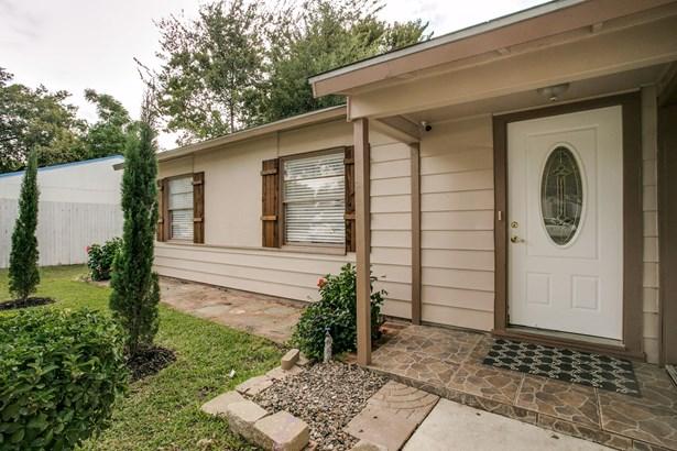 1510 Kent Drive, Arlington, TX - USA (photo 3)