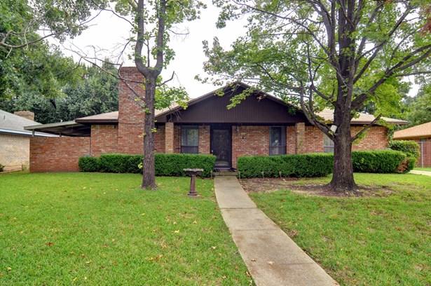 2728 Mill Pond Road, Denton, TX - USA (photo 1)