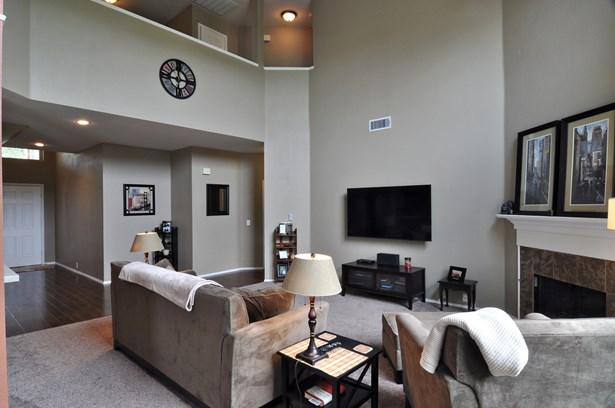 3905 Lacebark Lane, Bedford, TX - USA (photo 4)