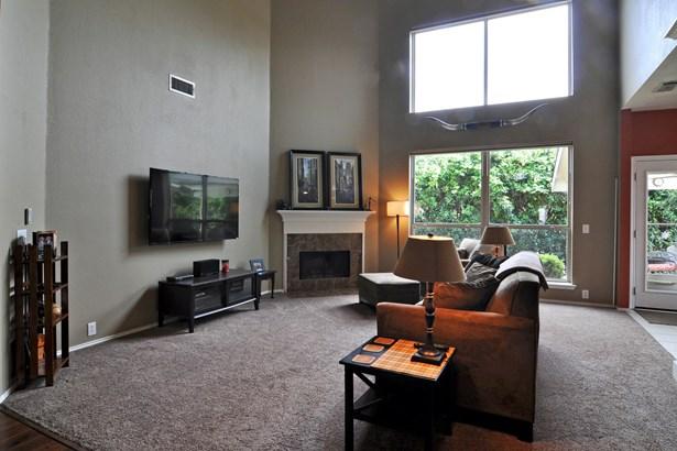 3905 Lacebark Lane, Bedford, TX - USA (photo 5)