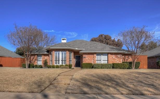 2213 Bluffton Drive, Plano, TX - USA (photo 1)