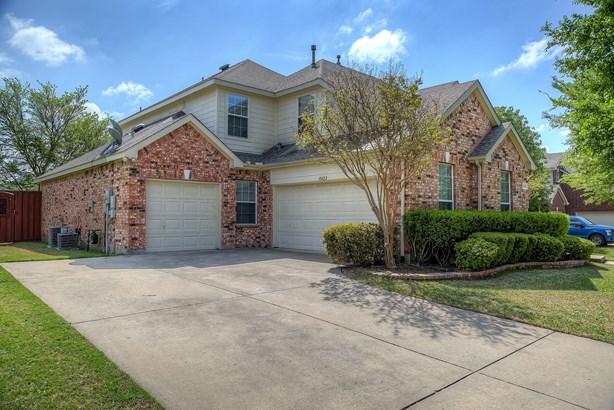 10422 Whispering Pines Drive, Frisco, TX - USA (photo 2)