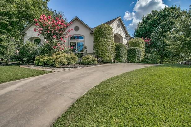 2314 Summer Brook Court, Cedar Hill, TX - USA (photo 1)