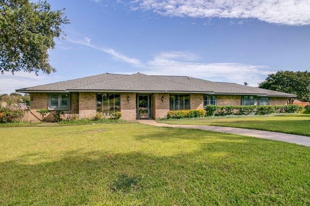 3218 Colonel Circle, Garland, TX - USA (photo 1)