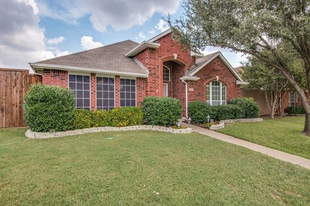 3926 Luke Lane, Carrollton, TX - USA (photo 2)