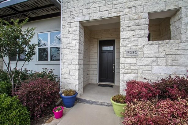 2232 Hemingway Lane, Carrollton, TX - USA (photo 2)