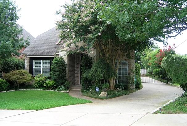 4516 Little Hollow Court, Arlington, TX - USA (photo 2)