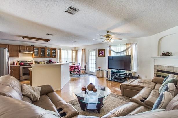 4708 Lee Hutson Lane, Sachse, TX - USA (photo 5)
